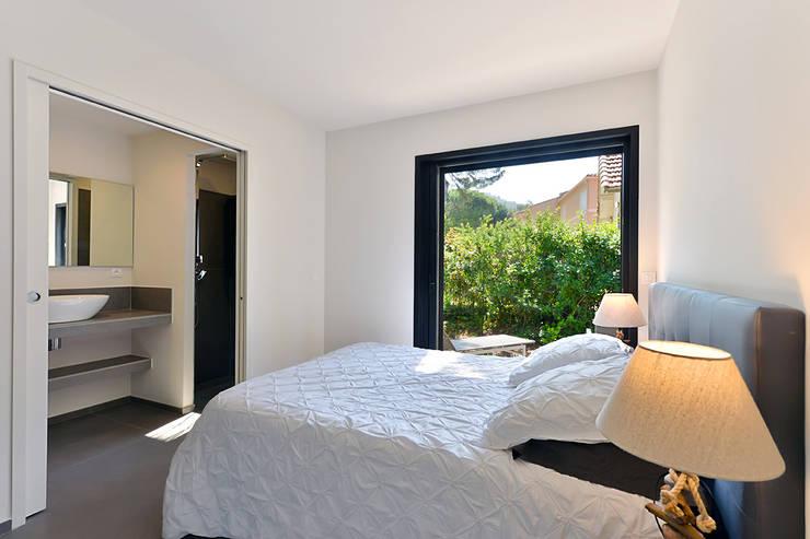 Bedroom by Atelier Jean GOUZY