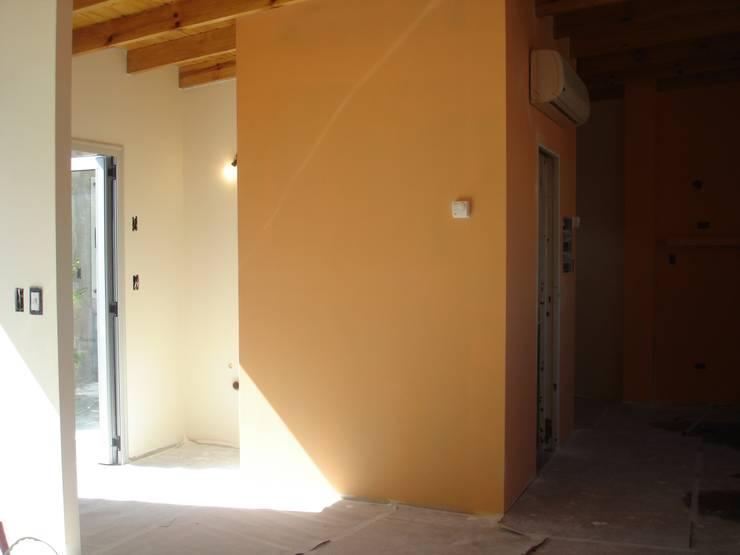 LOFT EN PALERMO: Livings de estilo  por Arquitecta MORIELLO,