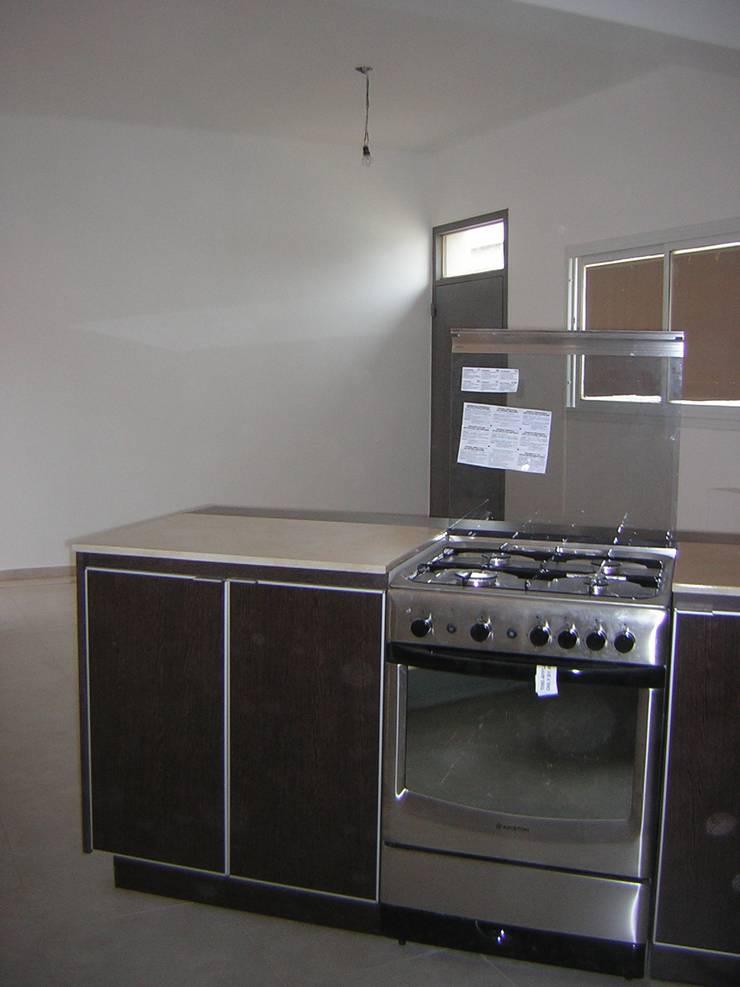REMODELACION PH EN VILLA DEVOTO: Cocinas de estilo  por Arquitecta MORIELLO,