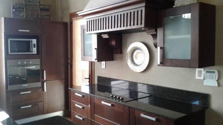 Cocinas de estilo  por Azcona Vega Arquitectos