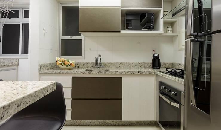 Cozinha: Cozinhas  por Aleggra Design & Arquitetura - Janaina Naves