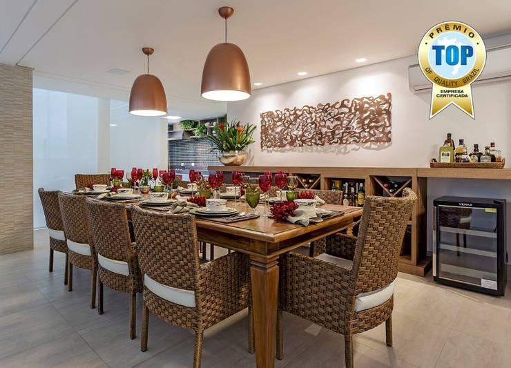 Cozinha gourmet: Cozinhas  por JANAINA NAVES - Design & Arquitetura,Eclético