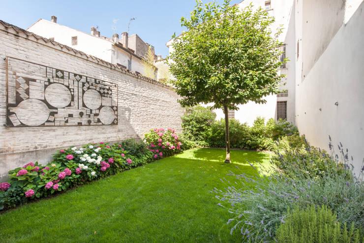 Garden by studio di architettura DISEGNO