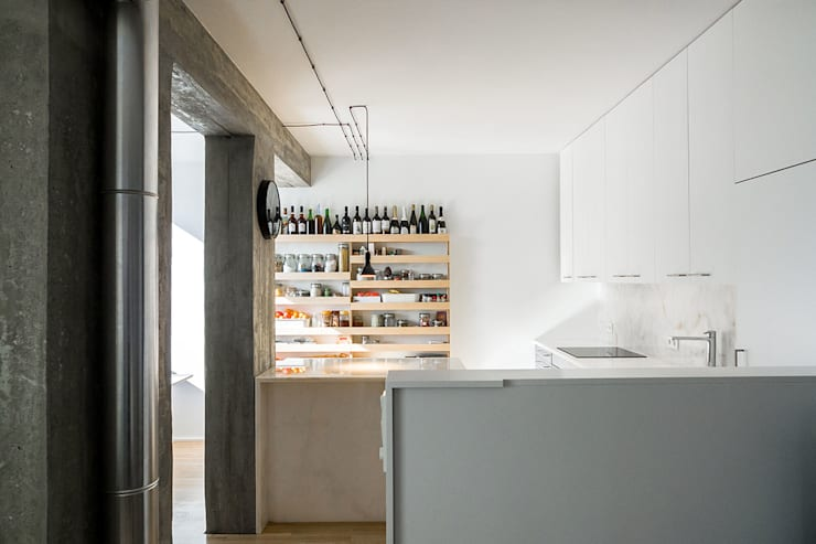 Apartamento Odivelas: Cozinhas  por Miguel Marcelino, Arq. Lda.