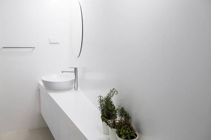 حمام تنفيذ Miguel Marcelino, Arq. Lda.