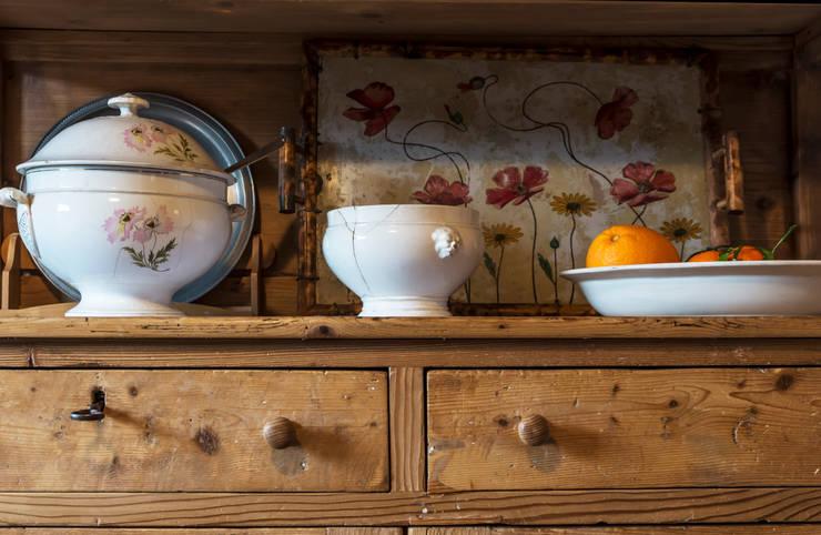 Come dipingere i mobili della cucina - Dipingere cucina legno ...
