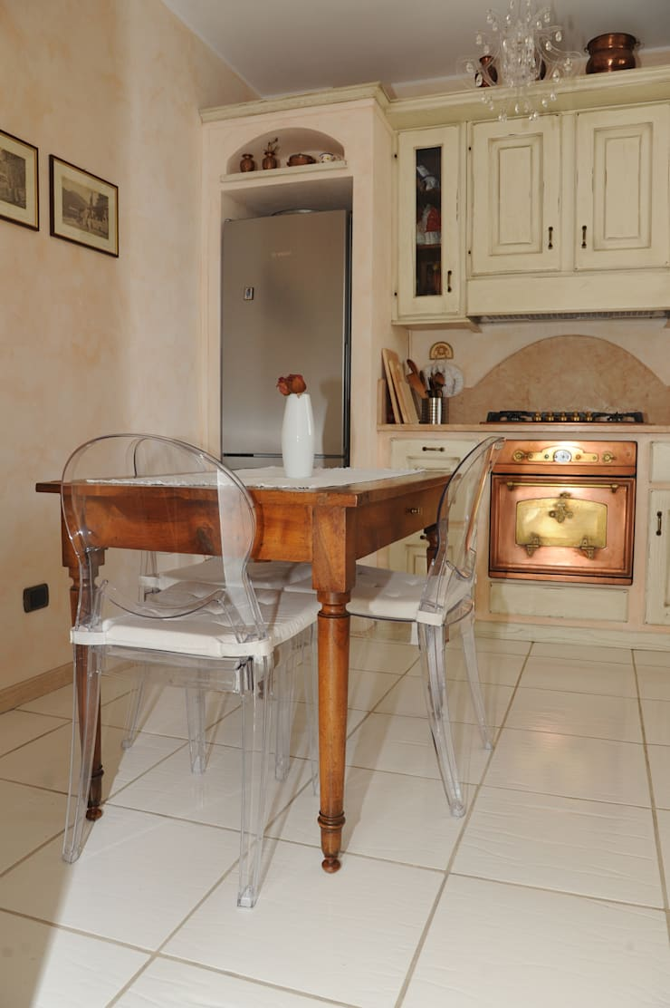 Kitchen by L'Antica s.a.s.
