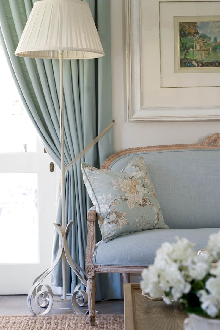 It's in the details:  Living room by Peter Thomas Interiors
