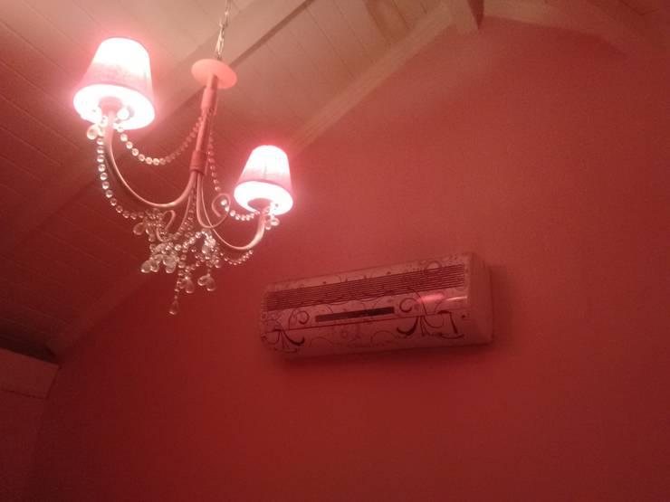 Instalación de aires acondicionados: Dormitorios de estilo  por B&B Clima - Aires Acondicionados,