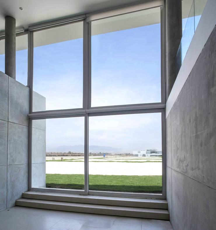 CASA MEMORY: Casas de estilo  por Chetecortés