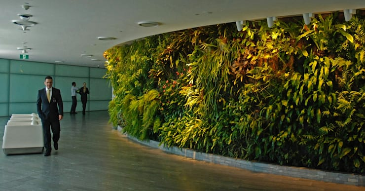 vertical garden:  Gedung perkantoran by NISCALA GARDEN | Tukang Taman Surabaya