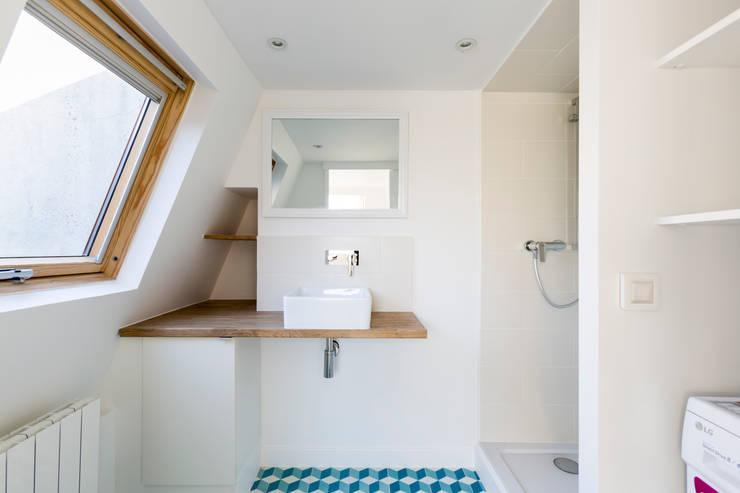 浴室 by Mon Concept Habitation