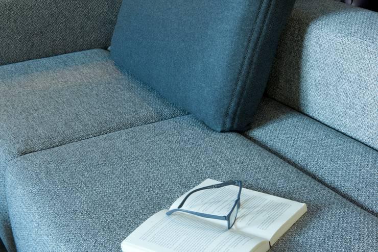 de estilo  por MOOME, Moderno Textil Ámbar/Dorado