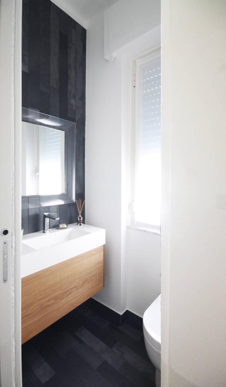 Ванные комнаты в . Автор – Andrea Orioli, Минимализм Плитка