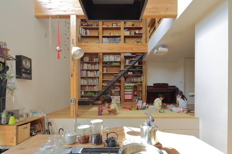 Wohnzimmer von 藤原・室 建築設計事務所