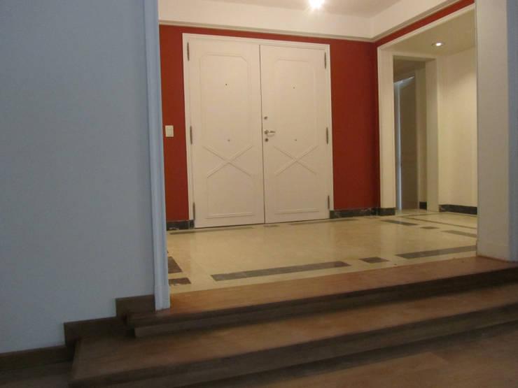 REMODELACION Y PUESTA EN VALOR DEPARTAMENTO EN BARRANCAS DE BELGRANO: Livings de estilo  por Arquitecta MORIELLO,