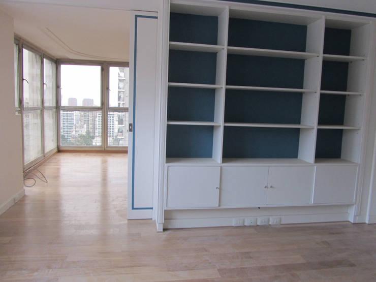REMODELACION Y PUESTA EN VALOR DEPARTAMENTO EN BARRANCAS DE BELGRANO: Estudios y oficinas de estilo  por Arquitecta MORIELLO,