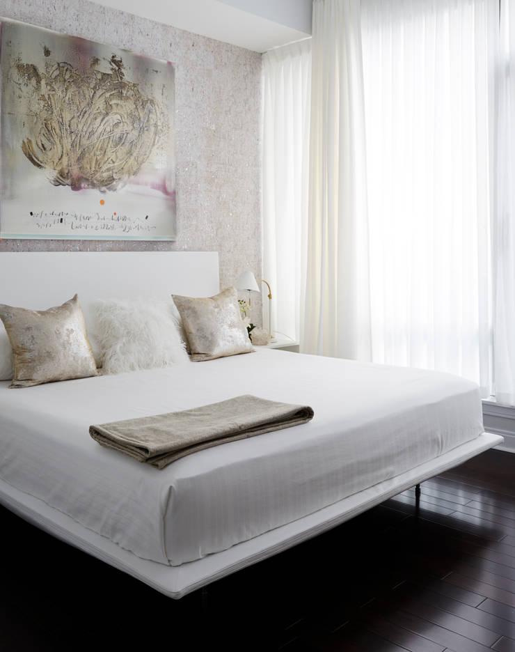 Bedroom: modern Bedroom by Douglas Design Studio