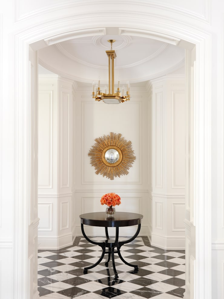 Foyer:  Corridor & hallway by Douglas Design Studio