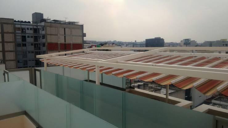 Palillería retráctil, Colónia Nápoles: Terrazas de estilo  por Materia Viva S.A. de C.V.