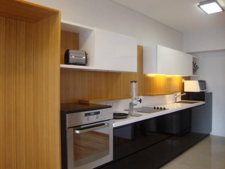 COCINA A NUEVO EN CABALLITO: Cocinas de estilo  por Arquitecta MORIELLO