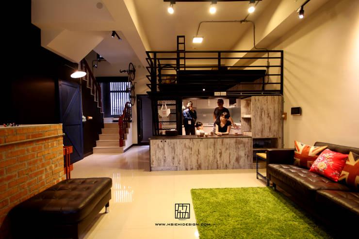 Cocinas de estilo industrial por 協億室內設計有限公司