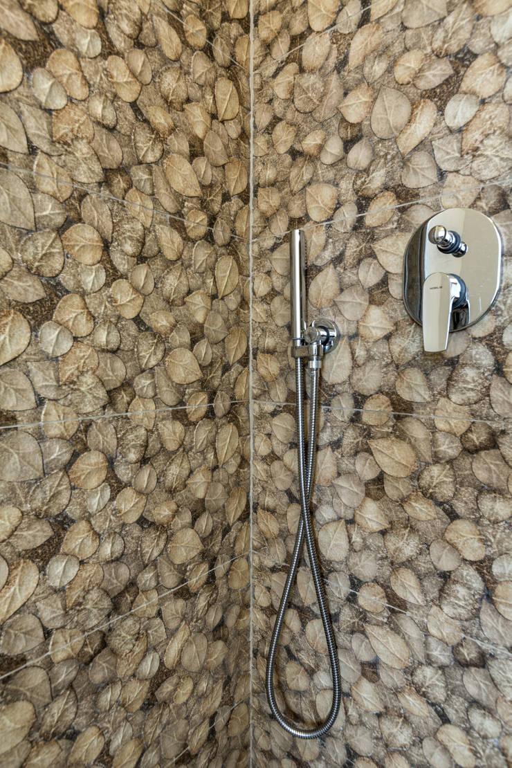Salle de bains de style  par Elia Falaschi Photographer,