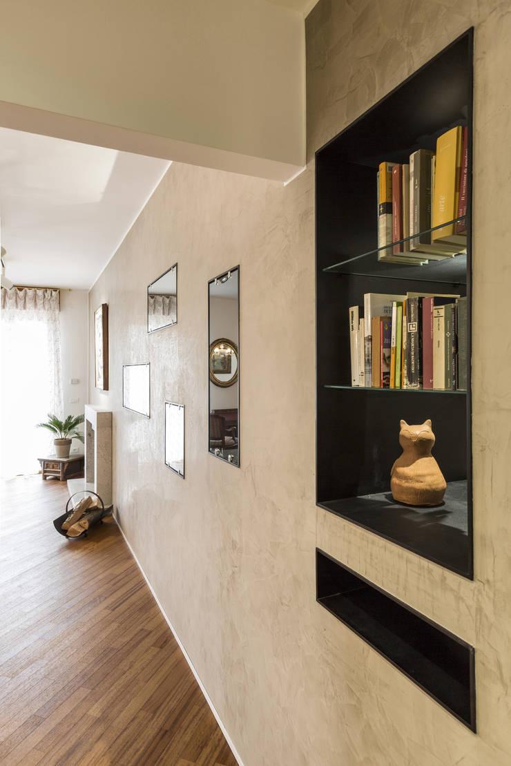 Salon de style  par Elia Falaschi Photographer,