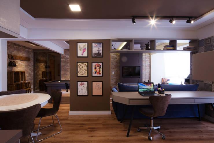 Home Office: Escritórios  por Studio Grammés • Arquitetura,Moderno