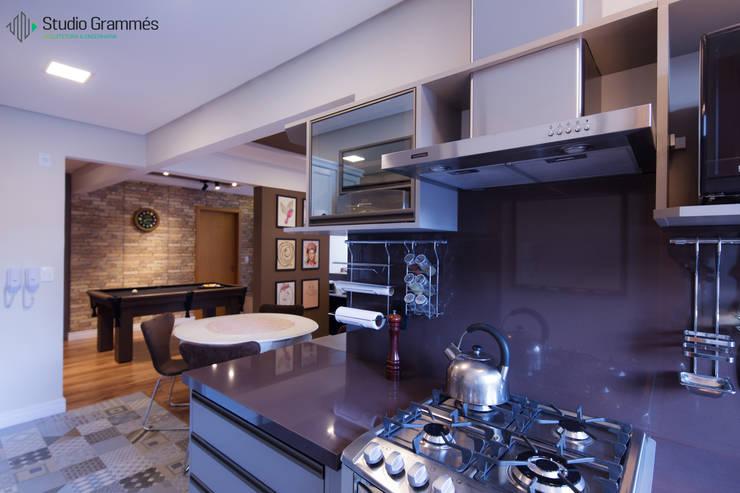Cozinha: Cozinhas  por Studio Grammés • Arquitetura,Moderno