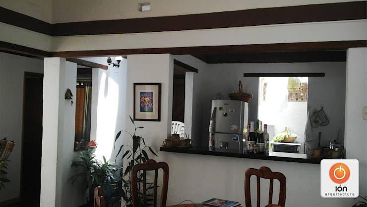 CASA EN EL CARAJO / Reciclaje Arquitectonico: Casas de estilo  por ION arquitectura SAS,