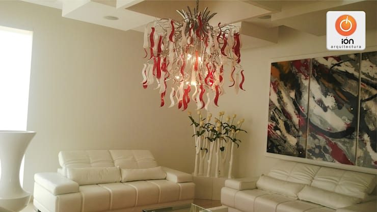 CASA LA UMBRIA / Reciclaje Arquitectonico: Salas de estilo  por ION arquitectura SAS, Minimalista