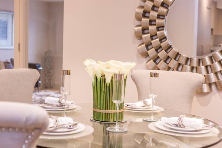 Dining room by SMB Interior Design Ltd