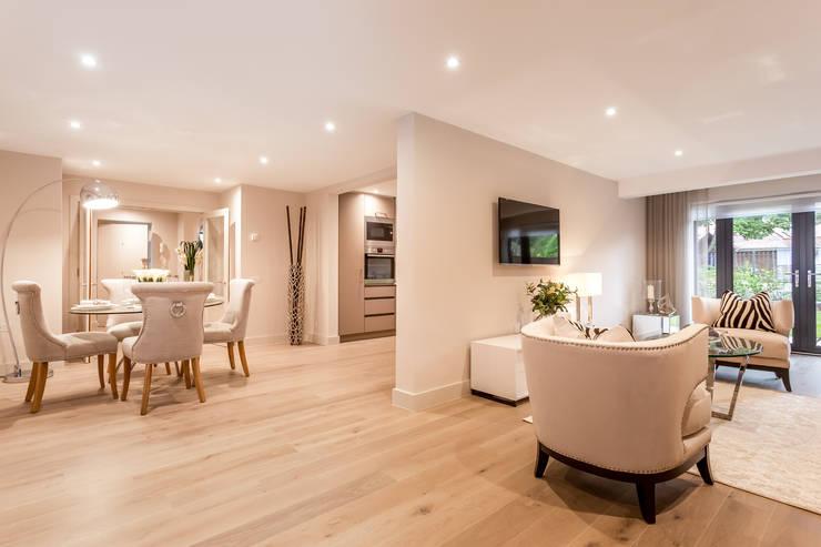 Projekty,  Salon zaprojektowane przez SMB Interior Design Ltd