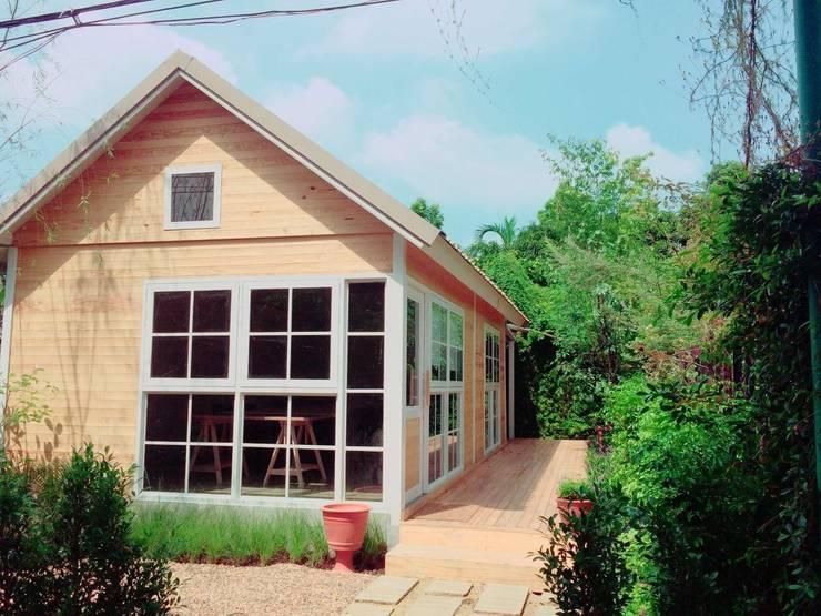 MIRAKI Art school & Workshop:  บ้านและที่อยู่อาศัย by ห้างหุ้นส่วนจำกัด พอสซิเบิล ดีไซน์