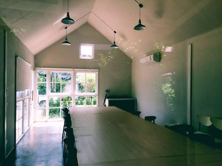 MIRAKI Art school & Workshop:  ห้องทำงาน/อ่านหนังสือ by ห้างหุ้นส่วนจำกัด พอสซิเบิล ดีไซน์