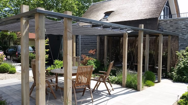 Douglas houten overkapping met glazen dak bergveranda