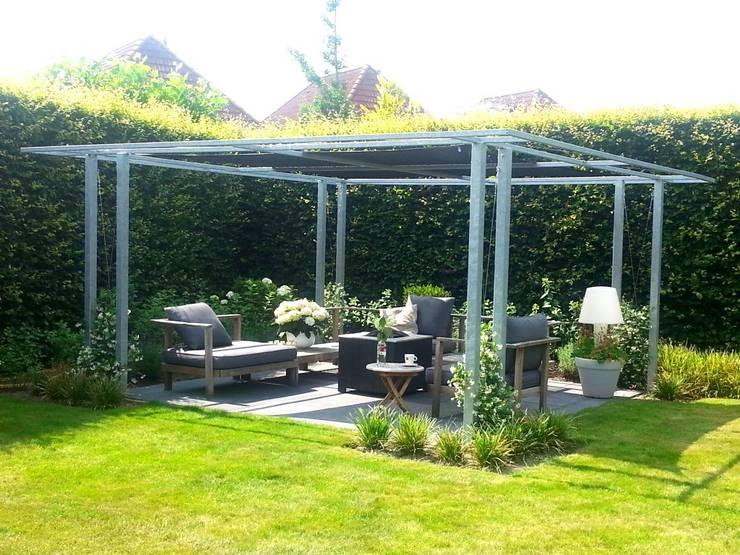 Doe het zelf hoe easy shingles verleggen op je dak tuinhuis