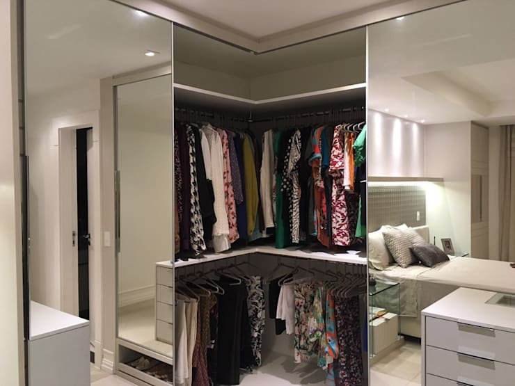 Dressing room by NW Arquitetura