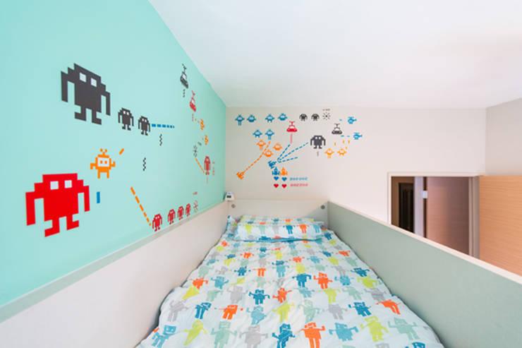 小孩房:  嬰兒/兒童房 by 果仁室內裝修設計有限公司