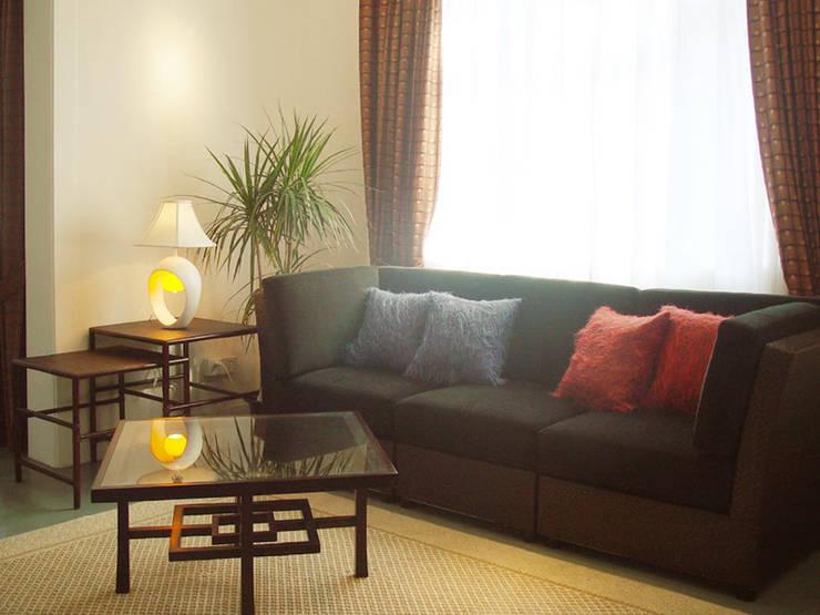 二樓展示區:  客廳 by 果仁室內裝修設計有限公司