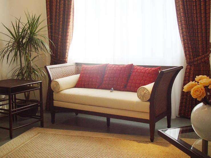 二樓展示:  客廳 by 果仁室內裝修設計有限公司