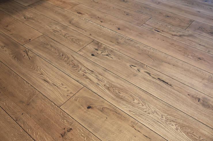 부산 센텀WBC 더펠리스 (flooring): (주)기성마루의  벽
