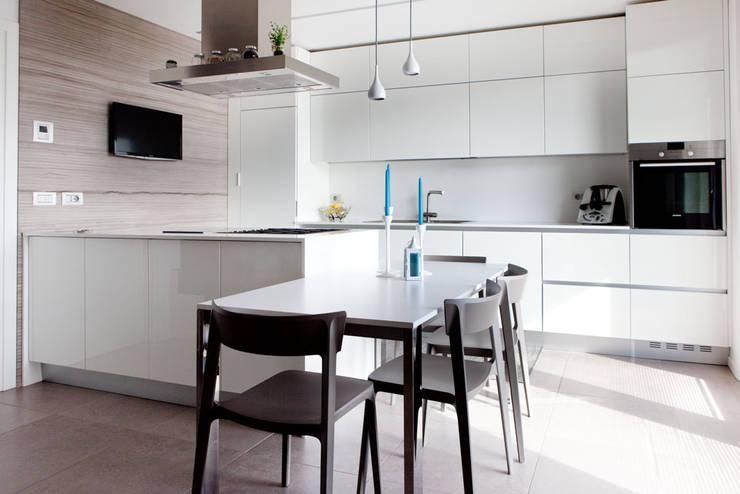 Cozinhas  por Andrea Picinelli