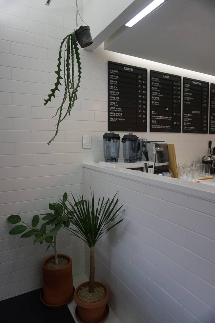 PLANTERIOR - CAFE: 보테니크의  상업 공간