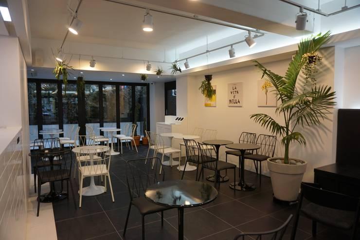 PLANTERIOR – CAFE: 보테니크의  상업 공간