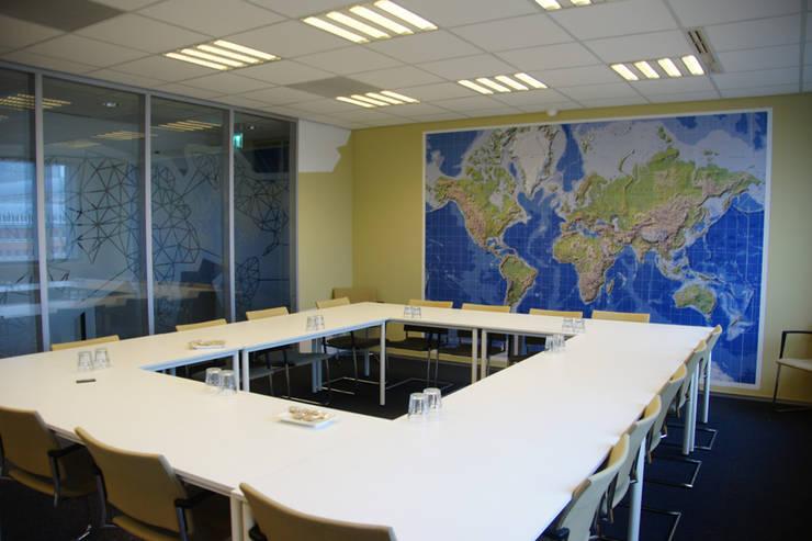 Seats2Meet 's-Hertogenbosch:  Congrescentra door INinterieurs, Modern