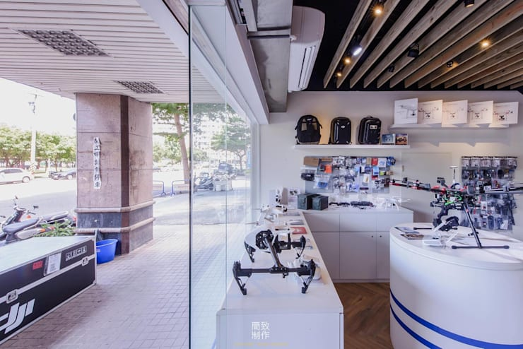 E-fly flagship store 譯翔科技旗艦店:   by 簡致制作SimpleUtmost Design