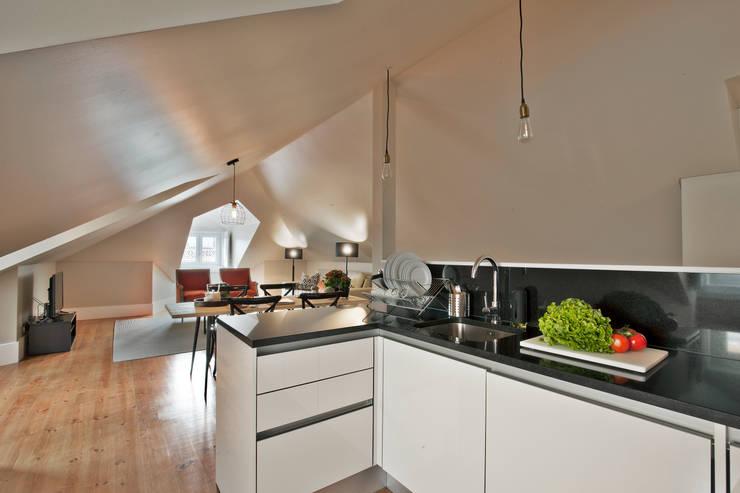 modern Kitchen by Pureza Magalhães, Arquitectura e Design de Interiores