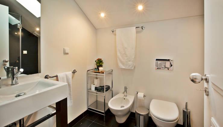 modern Bathroom by Pureza Magalhães, Arquitectura e Design de Interiores